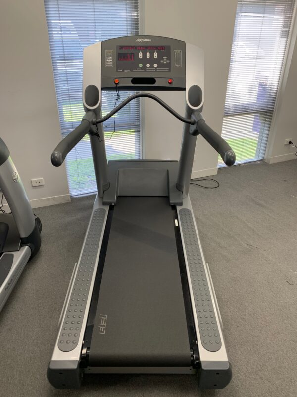 Life Fitness Treadmill 93T